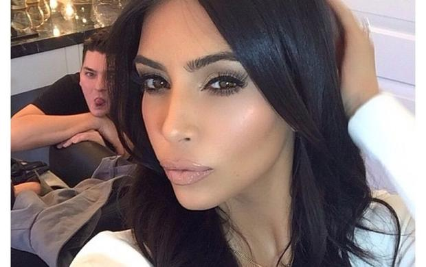 Таблоиды подозревают, что сограблением Ким Кардашьян что-то нечисто