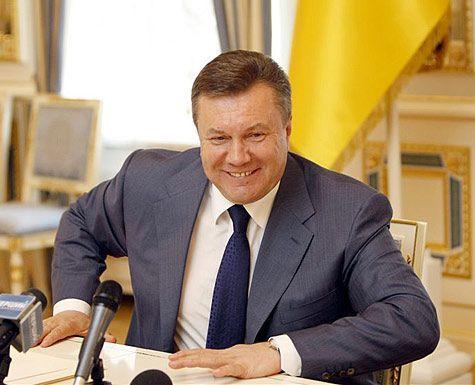 КСУкраины потребованию Порошенко решит, являетсяли Янукович президентом