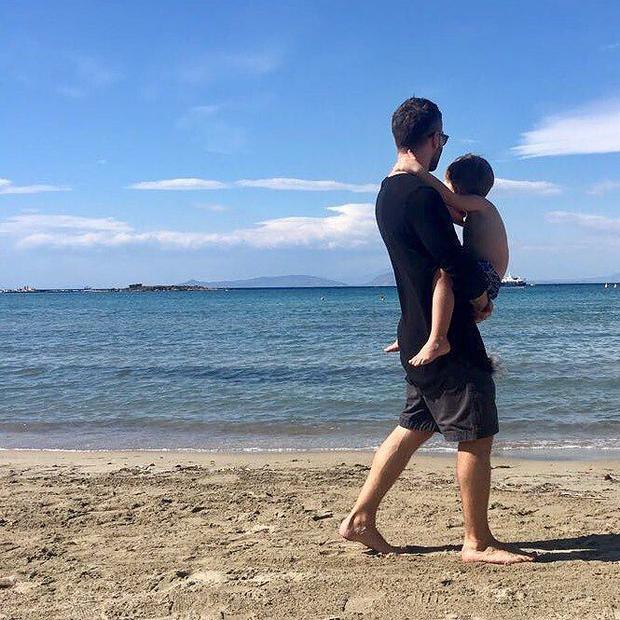 Шепелев иего сын отдыхают вГреции