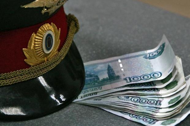 Полицейский вКрасноярске продавал похоронному агентству данные обумерших