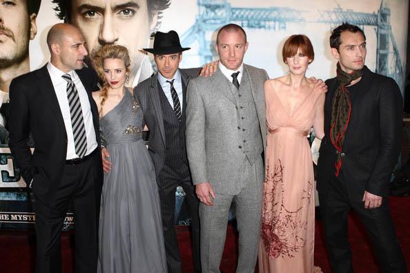 Warner Bros. собрала группу сценаристов для «Шерлока Холмса 3»