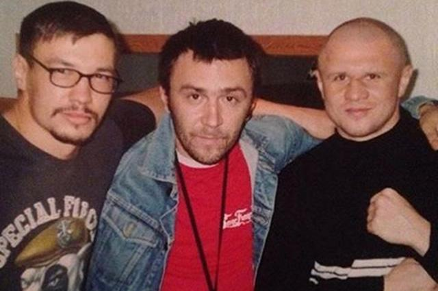 Сергей Шнуров поделился архивной фотографией в Инстаграм