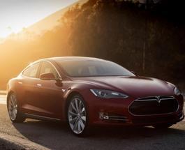 """Tesla предлагает жителям Европы на неделю """"махнуться"""" автомобилями"""