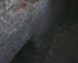 В центре Ровно под провалившимся асфальтом обнаружили секретный туннель