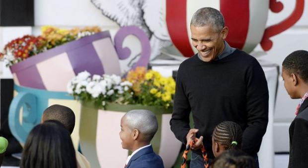 Барак и Мишель Обама станцевали в Белом доме под Майкла Джексона