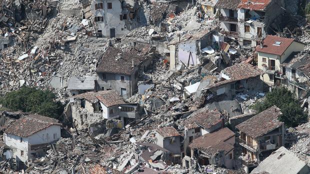 ВИталии после землетрясения грунт проседает надесятки сантиметров