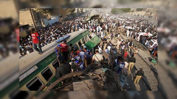 При столкновении поездов вПакистане погибли 11 человек