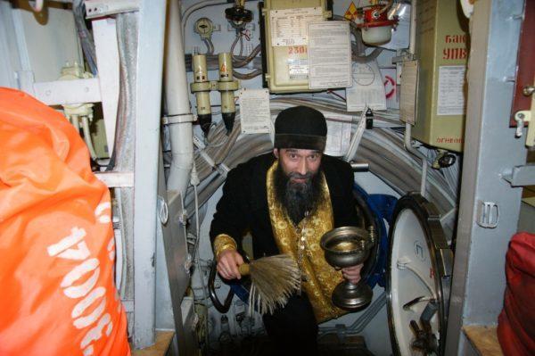 Священник Североморской епархии поведал опоходе на«Адмирале Кузнецове»