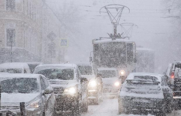 В российской столице объявили «оранжевый» уровень опасности из-за снега иветра