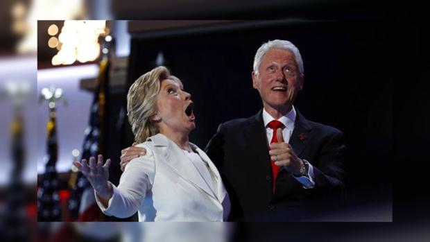 Клинтон отдала голос наизбирательном участке вНью-Йорке