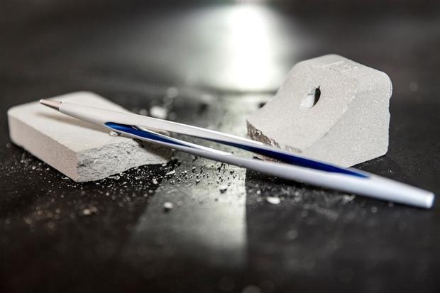 Невероятно, однако факт: вИталии создали извечную ручку без чернил