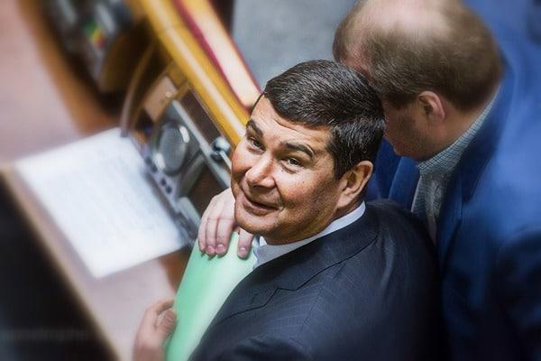 Онищенко собирается кдругу-Трампу. Может там останется