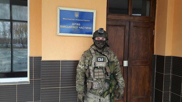 СБУ задержала военных, которые воровали топливо, что предназначалось для нужд АТО