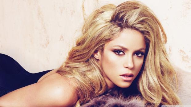 Шакира напомнила осебе выходом страстной песни и«гипнотического» клипа