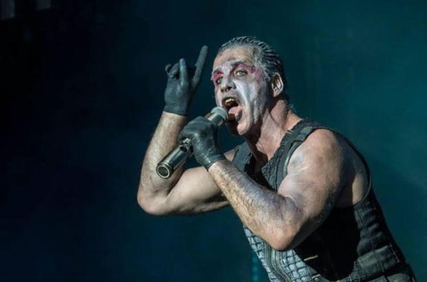 Мечты сбываются: в Российской Федерации вышел сборник лирических стихов лидера Rammstein