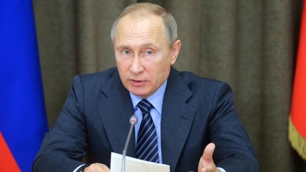 В. В. Путин позабавил соцсети рассказом оборьбе смусорными свалками