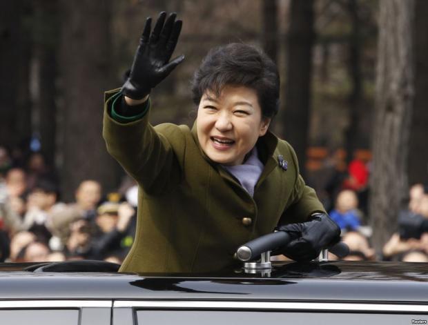 ВЮжной Кореи впервый раз заисторию хотят допросить президента