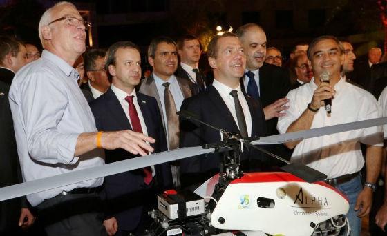 Мадрид требует объяснений отТель-Авива из-за подаренного Медведеву дрона