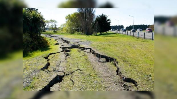 Землетрясение разрушило назападе Китая сто домов