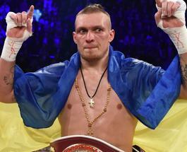 Александр Усик нокаутом подтвердил свое звание чемпиона WBO