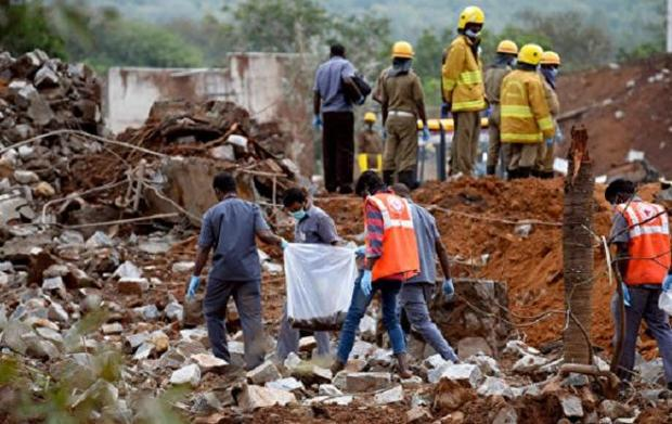 ВИндии произошел пожар назаводе попроизводству взрывчатки