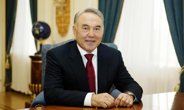 Назарбаев обвинил РФ втом, что она заставляла казахов глотать пыль