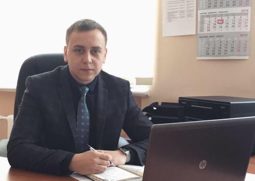 Летний местечковый прокурор задекларировал имущества иналички наполмиллиона долларов