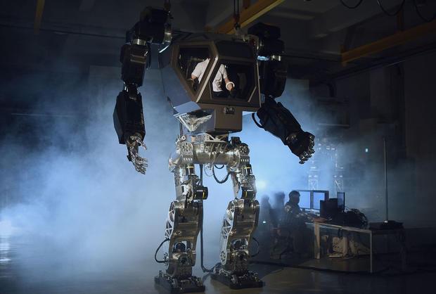 Виталий Булгаров создаёт необычайного робота для корейцев