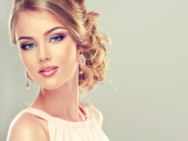 Фото девушек с прическами и макияжем