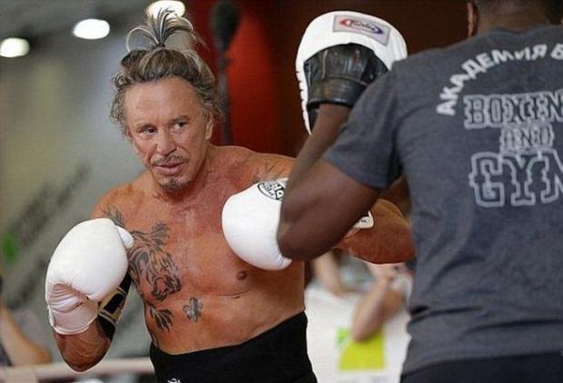 Микки Рурк проведет боксерский поединок наУрале