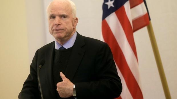 Маккейн несчитает бесспорным, что Трамп попробует отменить санкции противРФ
