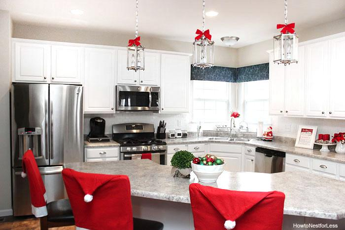 30 Stunning Christmas Kitchen Area Decorating Suggestions