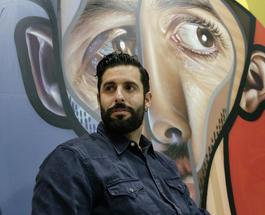 Искусство не для всех: испанский художник рисует странные муралы