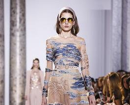 Неделя моды в Париже 2017: Ольга Куриленко на показе весенне-летней коллекции Эли Сааб
