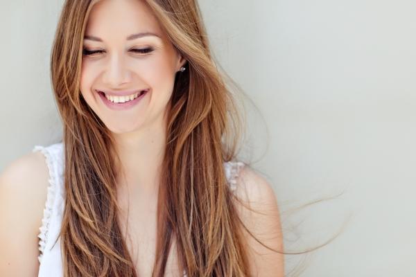 фото девушка улыбается