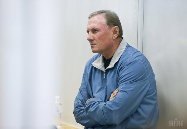 Дело засудом: Ефремову вручили обвинительный акт