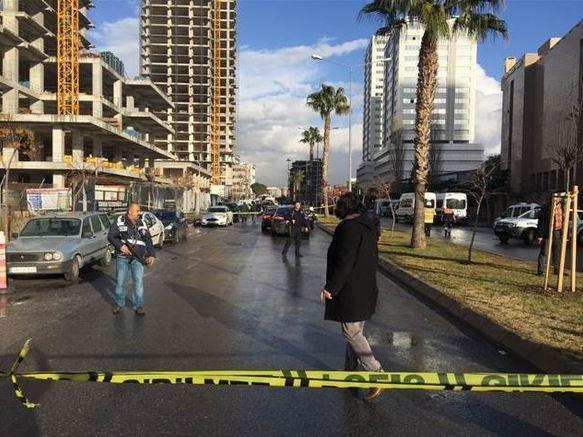 Очередной теракт вТурции: около суда Измира был взорван автомобиль, есть пострадавшие