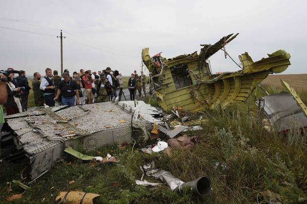 Милиция Нидерландов конфисковала у корреспондентов материалы сДонбасса по изучению катастрофы MH17