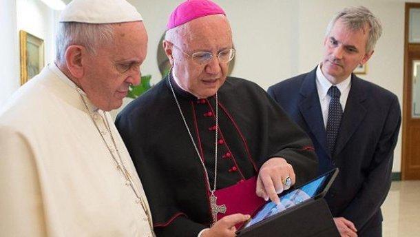 Папа Римский отказался пересесть вбронированный папамобиль