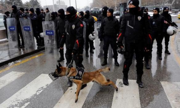 Столкновения вТурции: милиция разогнала митинг против расширения президентских полномочий