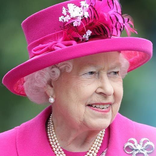 Ссайта королевской семьи удалили сообщение осмерти ЕлизаветыII