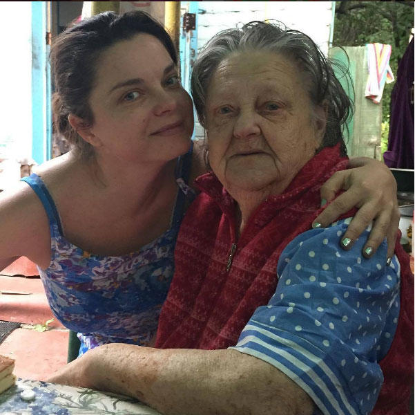 Наталья Королёва разрыдалась напохоронах бабушки вКиеве