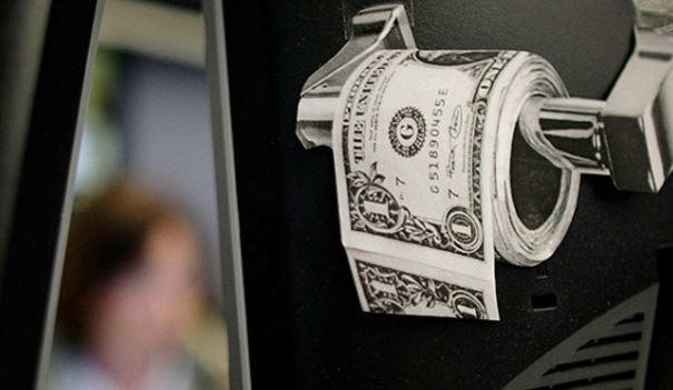 Уохранника «Газпрома» украли золотой унитаз за 200 тыс. руб.