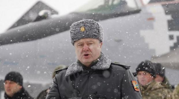 Порошенко включил Донбасс ввоенно-воздушную зону «Восток»