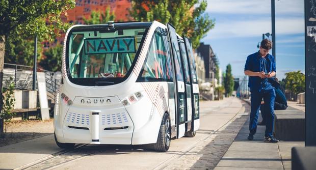 Первые беспилотные автобусы появились встолице франции