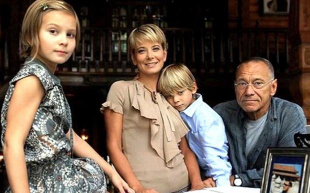 Медработники дали прогноз, когда выйдет изкомы дочь Юлии Высоцкой