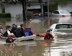 Наводнение в Калифорнии: власти срочно эвакуируют целый город