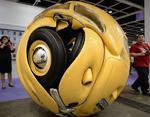 «Искусство не для всех»: странные скульптуры из автомобилей
