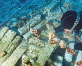 «Золото Атлантиды»: в Сицилии найден древний корабль с сокровищами