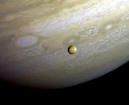 Загадки космоса: НАСА не будет корректировать орбиту зонда Juno вокруг Юпитера